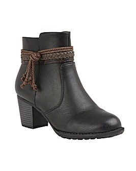 Lotus Odetta Heeled Ankle Boots