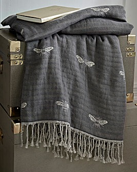 Sophie Allport Bee Throw