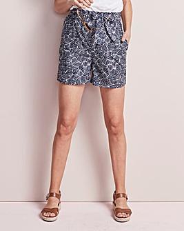 Print Tie Waist Shorts