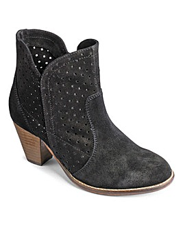 Sole Diva Punch Out Boot EEE Fit