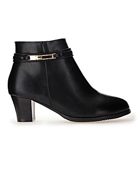 Cushion Walk Trim Ankle Boots E Fit