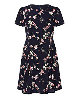 Yumi Curves Floral Print Skater Dress
