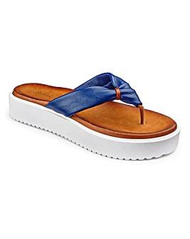 Sole Diva Toe Post Sandals D Fit