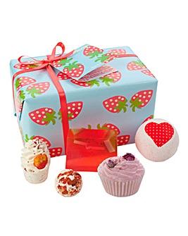 Bomb Cosmetics Strawberry Patch Gift Set