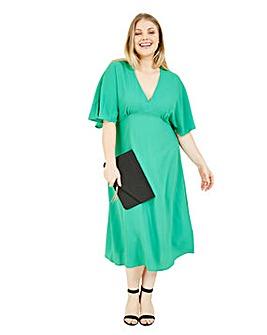 Yumi Curves Kimono Flared Midi Dress In Green
