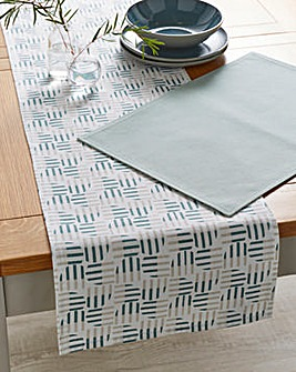 Helsinki Table Runner and Placemats