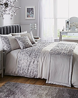 Sasha Metallic Embroidered Duvet Cover Set