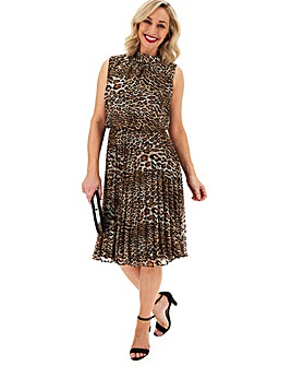Leopard Print Pleated Sleeveless Dress