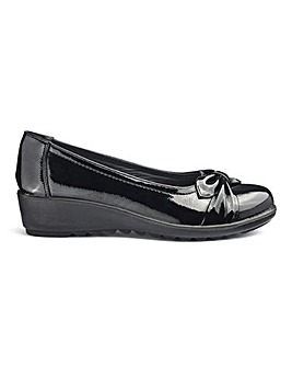 Cushion Walk Knotted Vamp Slip On Shoes Wide E Fit
