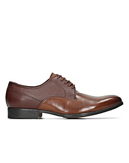 Clarks Gilmore Walk Standard Fitting