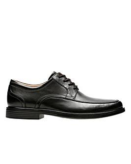 Clarks Unstructured Un Aldric Park Standard Fitting Shoes