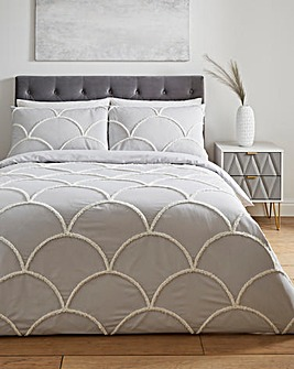 May Tufted Duvet Cover Set