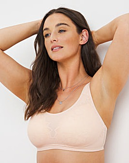 Triumph Fit Smart Lace Non Wired Padded Bra