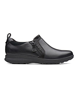 Clarks Un Adorn Leather Zip Up Shoes Standard D Fit