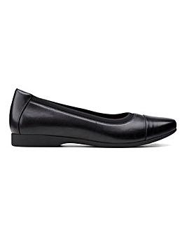 Clarks Un Darcey Cap2 Leather Ballerina Shoes Standard D Fit