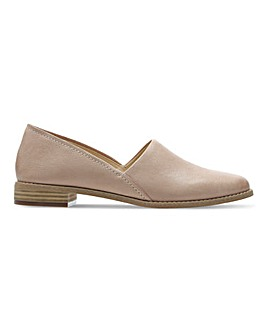 Clarks Pure Tone Slip On Leather Shoes Standard D Fit