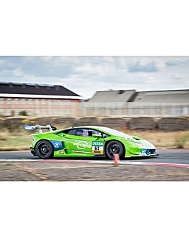 Lamborghini Hurac�n Race Car Driving