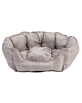 Country Check Oval Medium Pet Bed