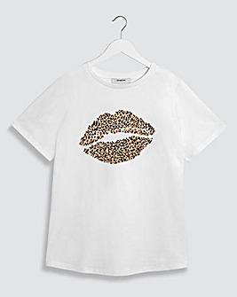 Leopard Print Lip T-Shirt