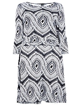 Izabel London Curve Pleated Print Dress