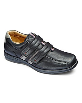 Air Motion Touch and Close Casual Shoe Standard Fit