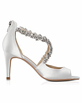 Perfect Katelyn Cross-Over Jewel Sandal