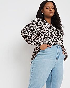 Animal Print Pull Over Dipped Back Shirt