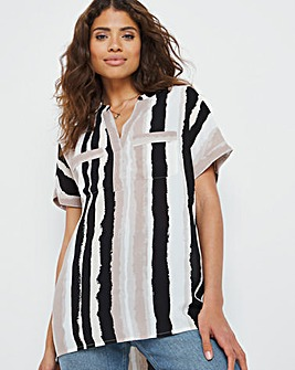 Abstract Stripe Print Pocket Front Short Sleeve Blouse