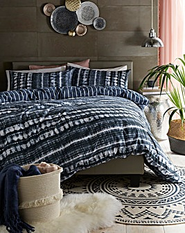 Dover Geo Printed Navy Reversible Duvet Set