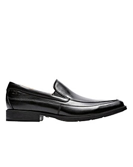Clarks Tilden Free Wide Fitting