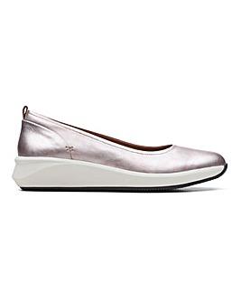 Clarks Un Rio Vibe Shoes Wide E Fit