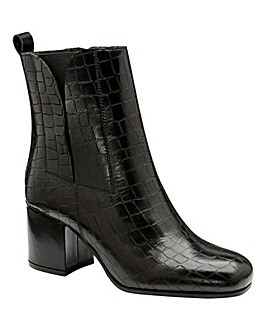 Ravel Wellsford Block Heel Boots D Fit