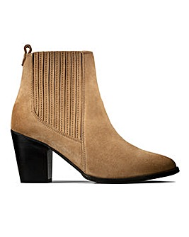 Clarks West Lo Ankle Boots D Fit