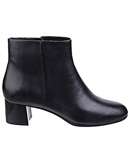 Rockport Total Motion Novalie Boot