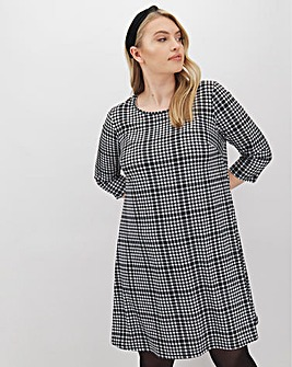 Dogtooth 3/4 Sleeve Swing Dress