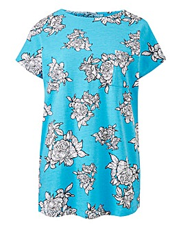 Curved Hem Pocket T Shirt