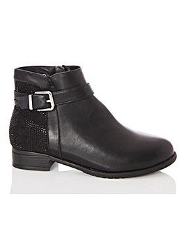 Quiz Buckle Chelsea Boots
