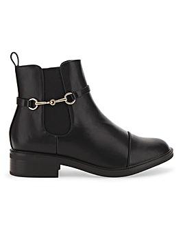 Raid Margaret Chelsea Boots