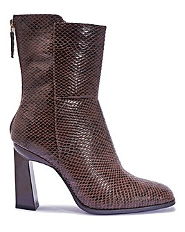 Flared Heel Zip Boots Standard Fit