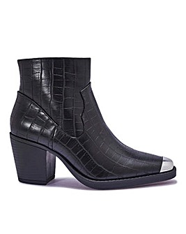 Western Block Heel Ankle Boot Wide Fit