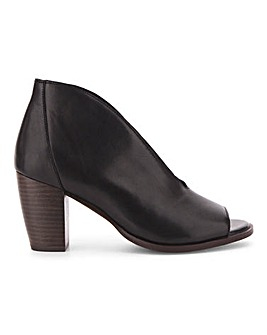 Amaryllis Leather Shoeboot Wide E Fit