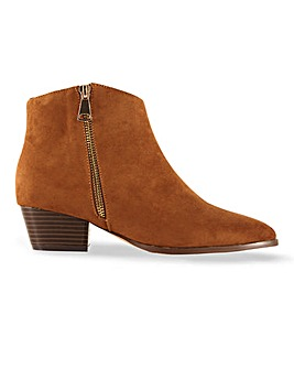 Brynlee Western Boots Wide Fit