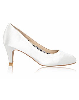 Perfect Erica Satin Mid Heel Court