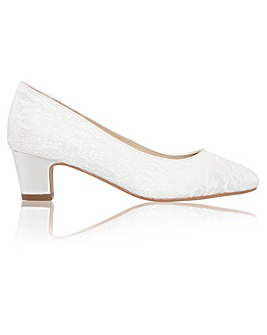 Perfect Melanie Lace Low Heel Court