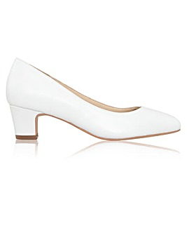 Perfect Melanie Leather Low Heel Court