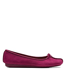 Clarks Freckle Ice D Fitting