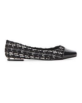 Mariah Square Toe Flat Shoe Extra Wide