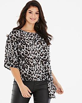 Quiz Curve Leopard Print Knit Top