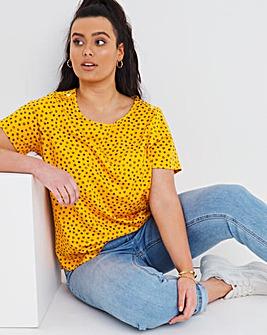 Value Cotton Button Trim Daisy Print T-Shirt