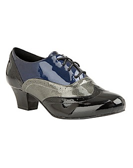 Lotus Platte Lace-Up Shoes